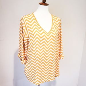 KIARA | Chevron top with roll tab sleeve